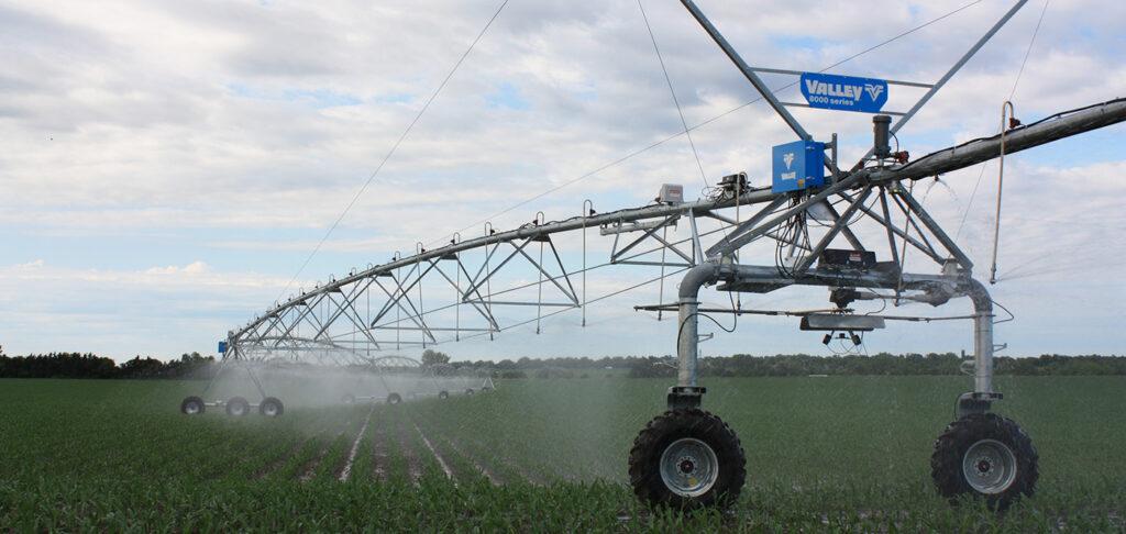 Valley Irrigation 8000 Series Center Pivot