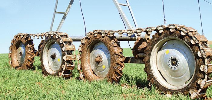 Articulating 4-wheel Drive Valley Irrigation 8000 Series